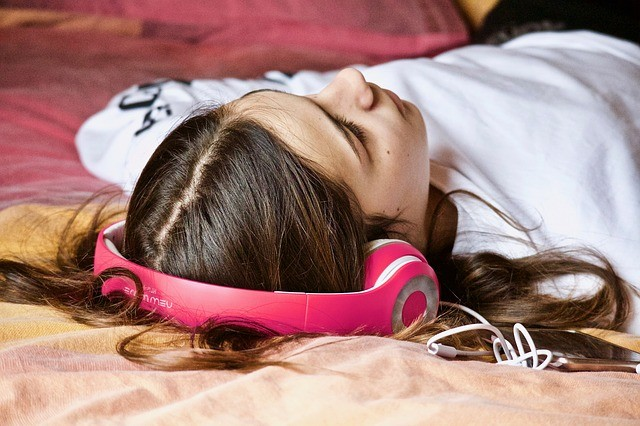 Foreign Language skills improves by Listening to Vocabulary in Sleep, study shows