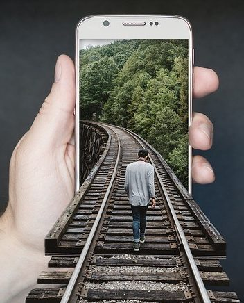 How smartphones can improve social science