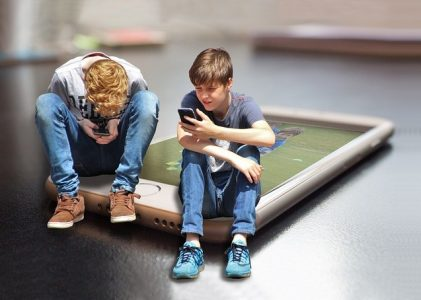 Screen time has no impact on Teen's Well-being, new research